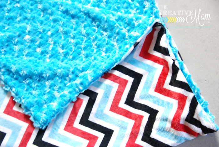 How To Make A Simple Blanket Amp Luke S Loves Project Linus