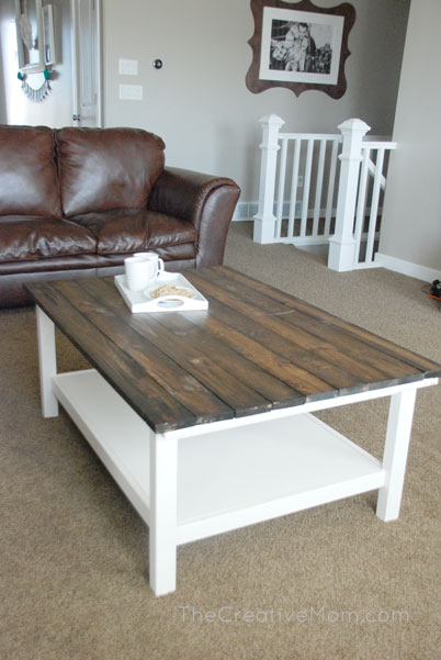 Perfect DIY Farmhouse Coffee Table