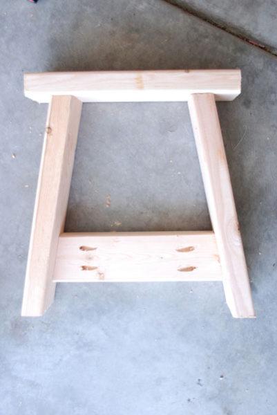 2x4 bench legs