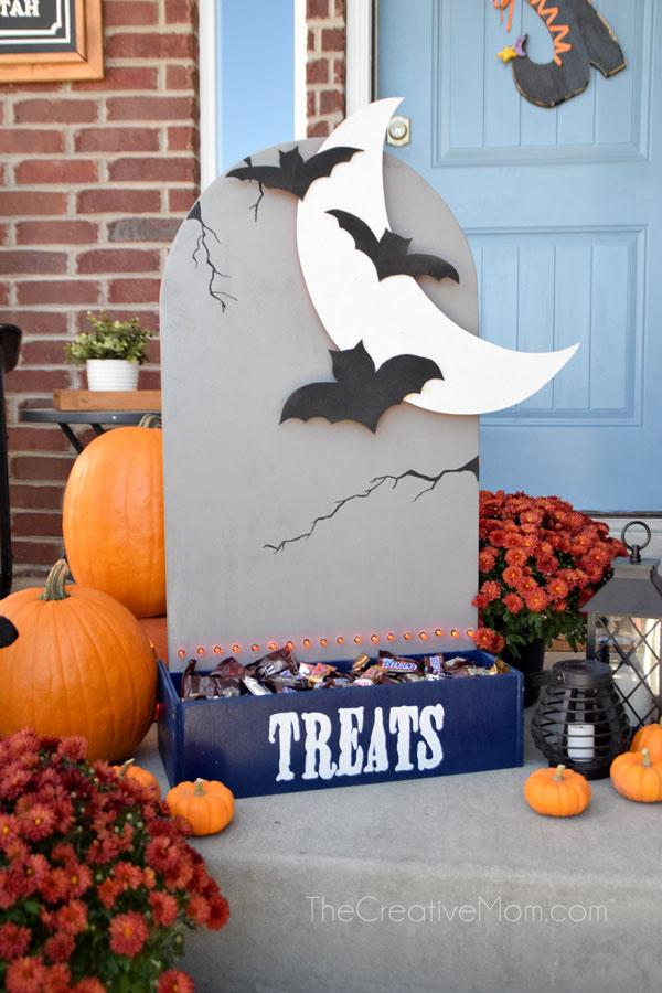 DIY Halloween Candy Holder – it lights up!