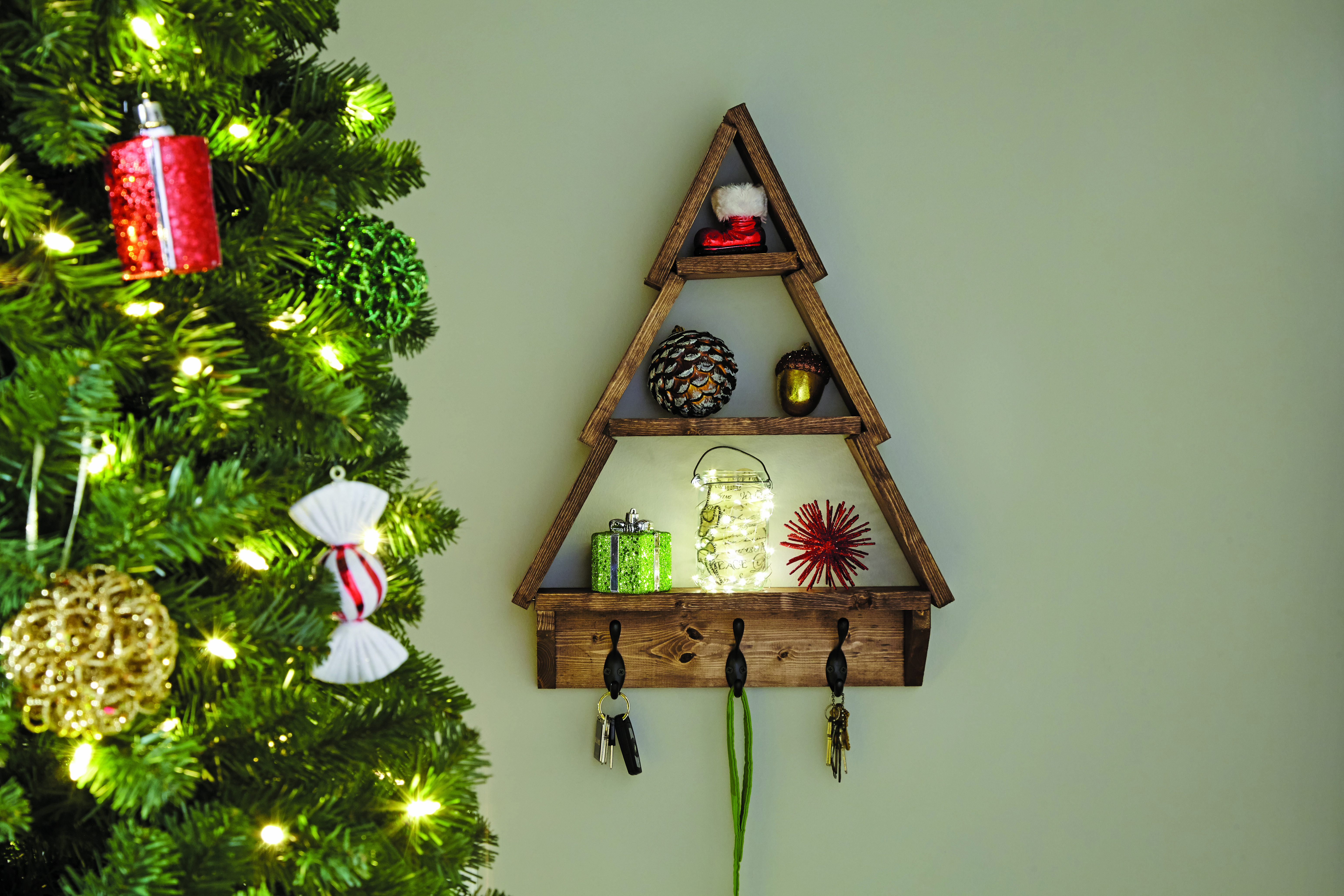 Christmas Tree Shelf- DIY Workshop Announcement