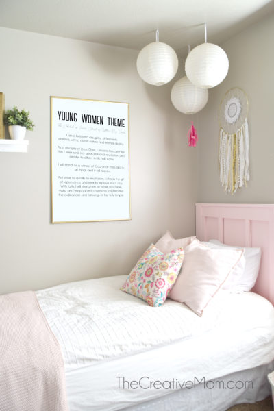 young women theme new