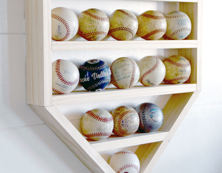 DIY Baseball Display Shelf- free building plans